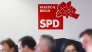 Wenn das Regierungsbündnis aus Linken., SPD und Grünen einen staatlichen Mietendeckel mit Nachdruck verfolgt, könnte es nur in dieser Legistlaturperiode Wirklichkeit werden.