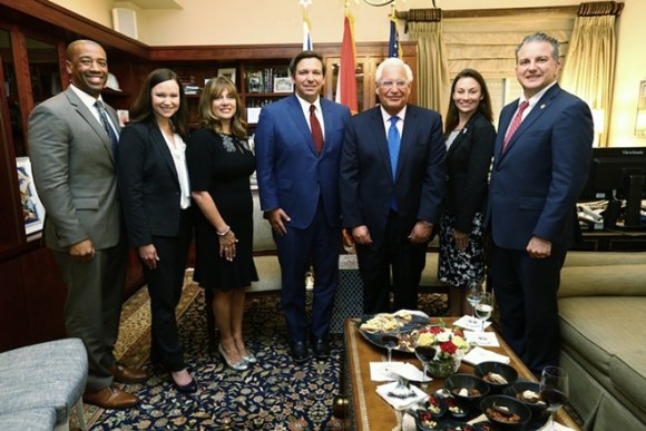 Gouverneur Ron DeSantis trifft sich mit dem US-Botschafter in Israel, David Friedman - PHOTOS COURTESY OFFICE OF THE GOVERNOR