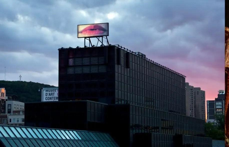 L'œuvre La Voie lactée de Geneviève Cadieux fait partie du parcours rose proposé pour les 25 ans du Bureau d'art public.