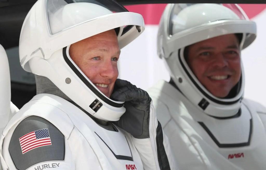 Deux astronautes viennent d'amerrir dans leur capsule SpaceX