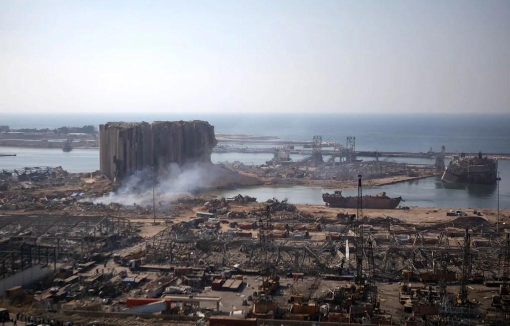 Au moins 16 fonctionnaires du port de Beyrouth et des autorités douanières ont été placés en détention à la suite des explosions dévastatrices dans la capitale.
