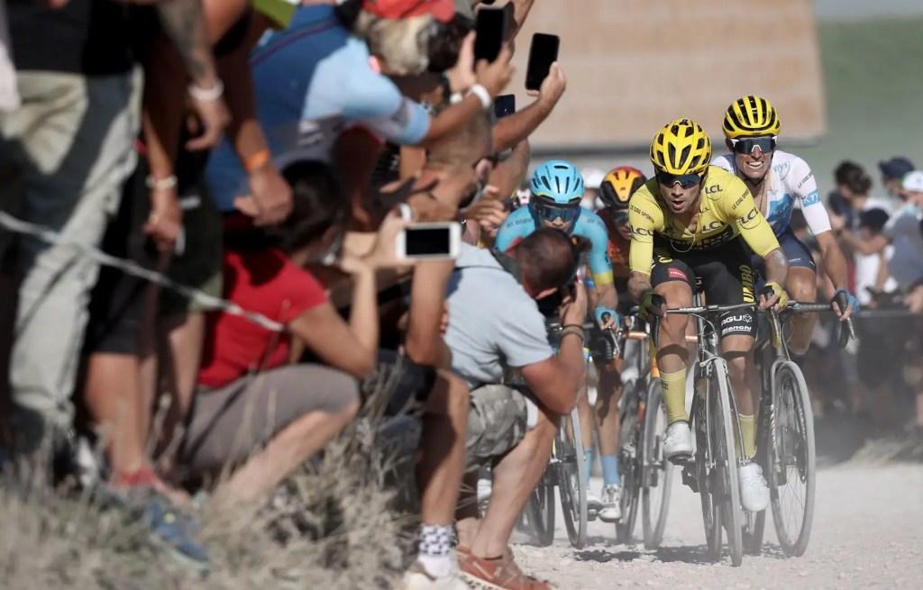 Tour de France: Roglic resserre son emprise sur le maillot jaune