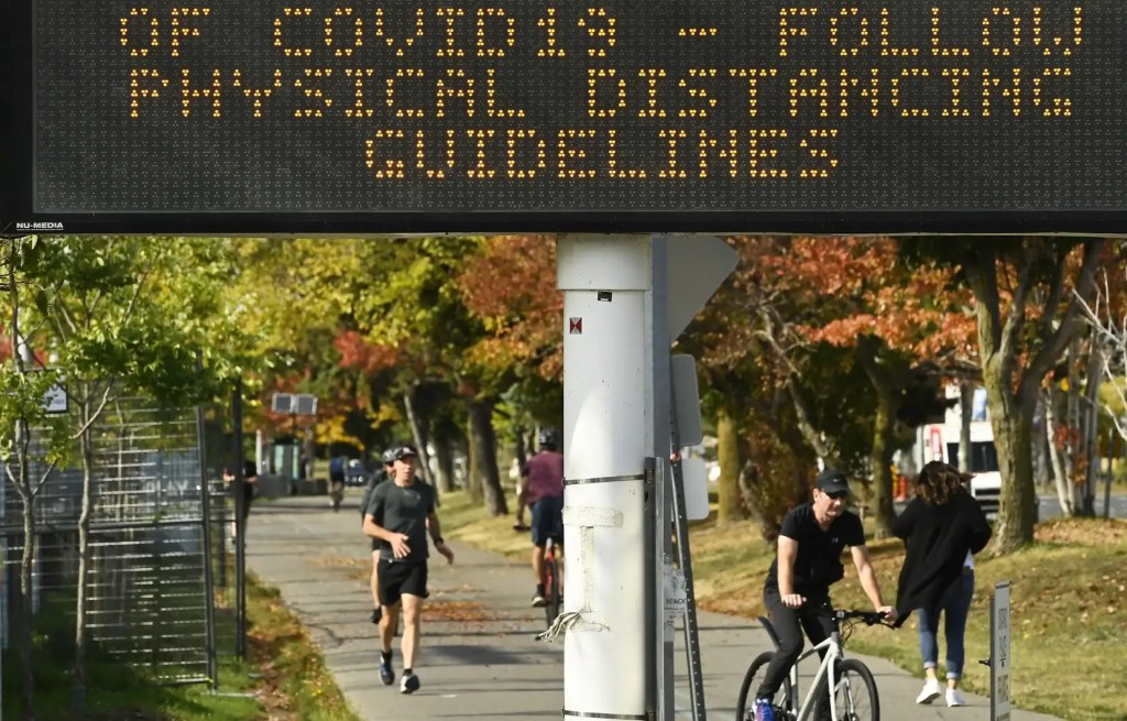 Différentes approches de l'Ontario et du Québec face à la deuxième vague