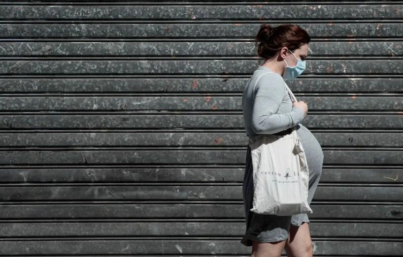 Les femmes enceintes devraient avoir accès au vaccin, croit une experte
