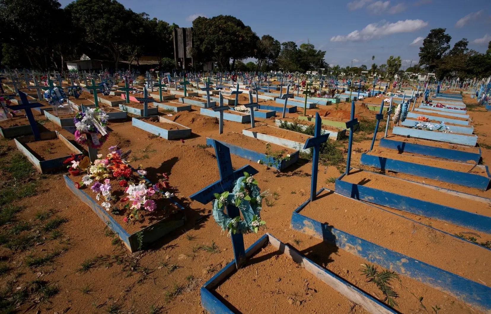 Un demi-million de morts et une 3e vague imminente au Brésil