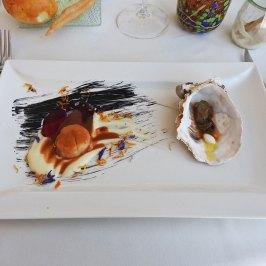 umetničko delo - capesante sa cveklom i ostriga u moru
