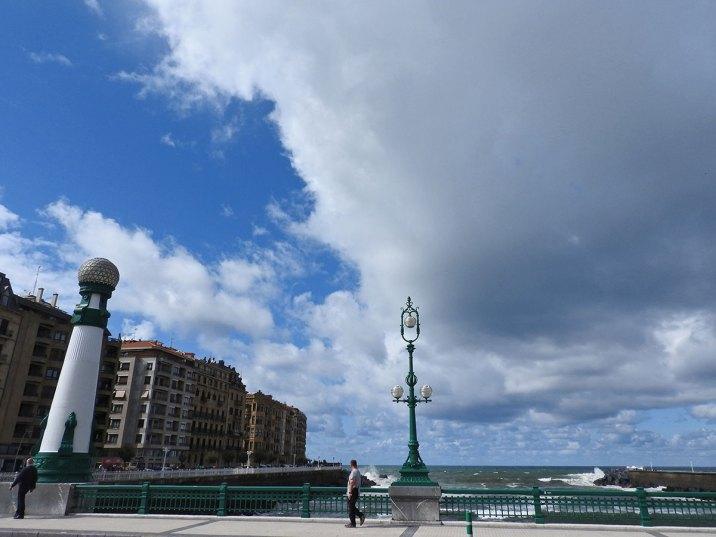 most zurriola -posle tog mosta je još jedna plaža Zurriola