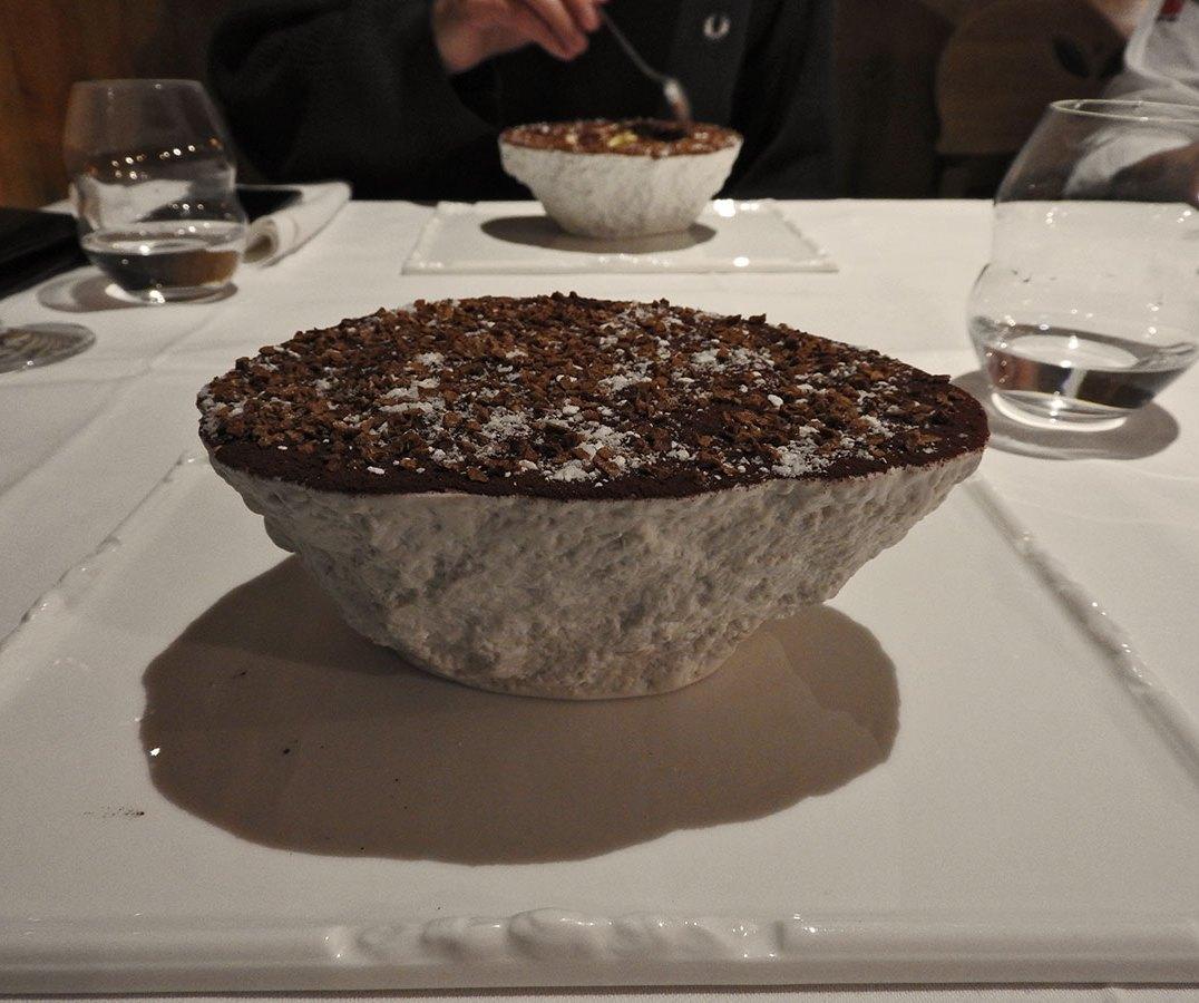 tiramisu izgleda kao stena, al ukusnooooo