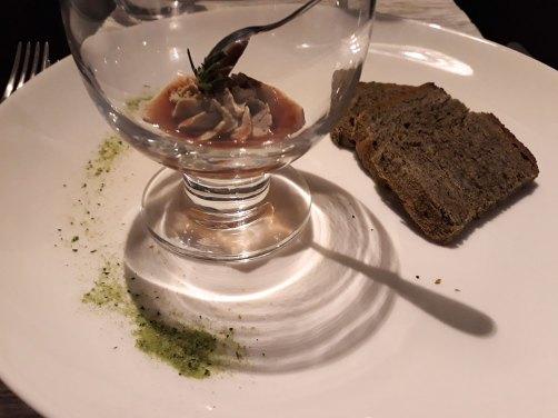 guščja pašteta i jagoda, njma, njam + dali su nam veći tanjir za umakanje maslinovog ulja