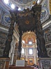 bazilika-st-pietro-unutrasnjost10