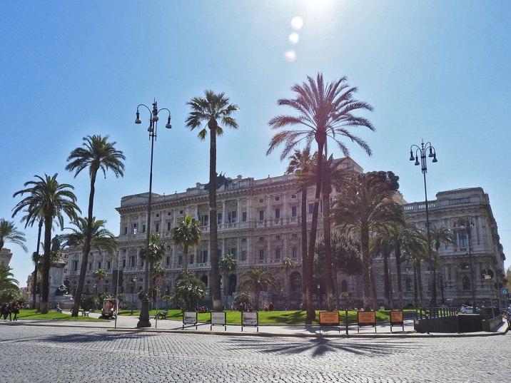 trg Cavour i Palazzo di Giustizia