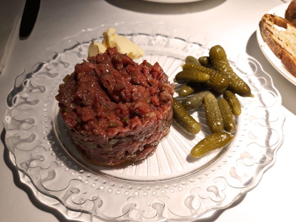 Saša bar tartar biftek