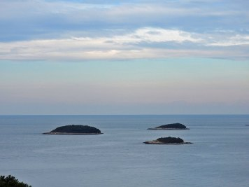 smirujući pogled na ostrvca u Vrsaru