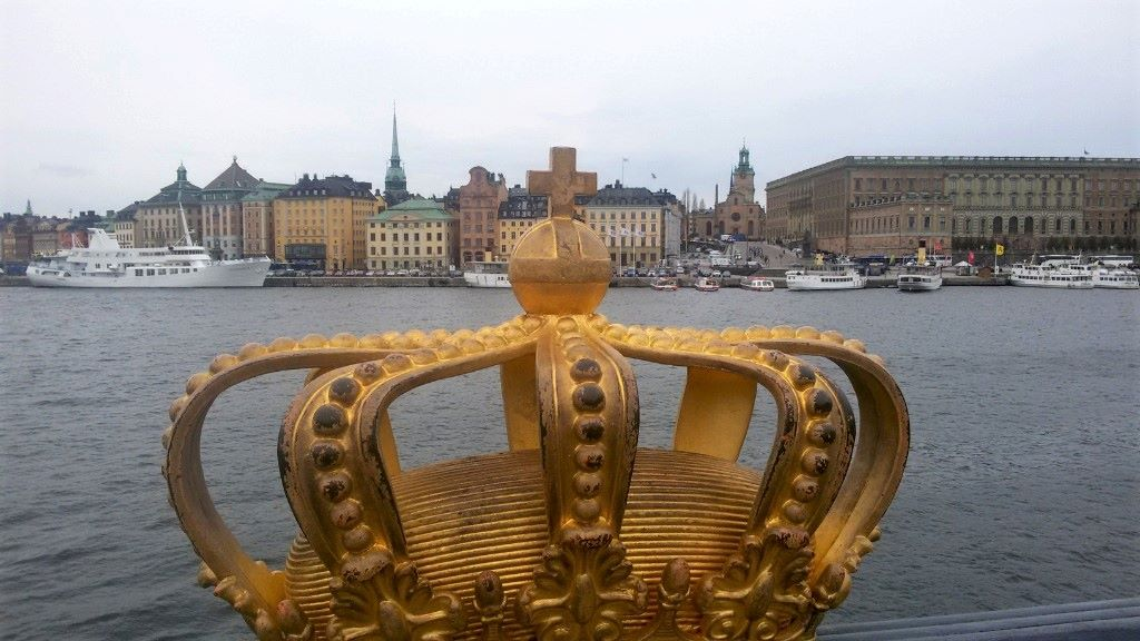 Skeppsholmsbron - gilded crown view on Gamla stan