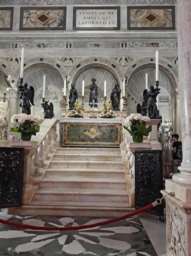 Basilica di San Antonio tomb
