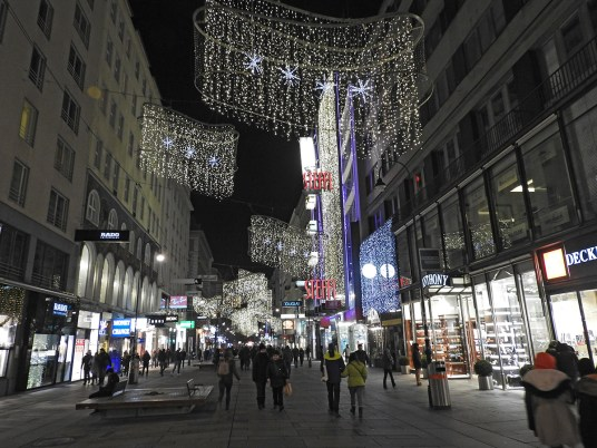 christmas vienna by night