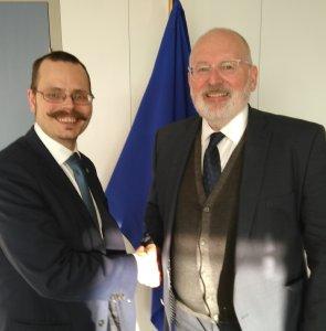 Max Andersson och Frans Timmermans efter möte om visselblåsare.