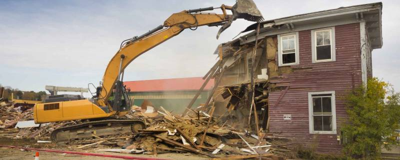 what it costs to demolish a house