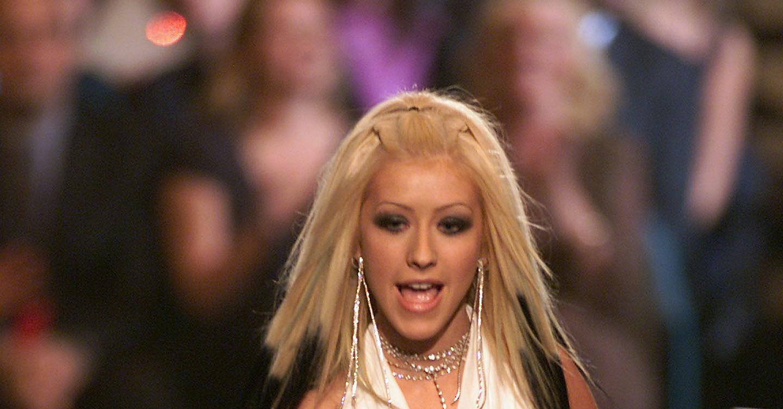 Christina Aguilera Shows Nippes