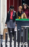 Kristen Stewart e Soko si tengono per mano durante la passeggiata romantica a Parigi