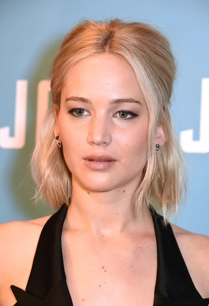 Sexy Jennifer Lawrence Pictures