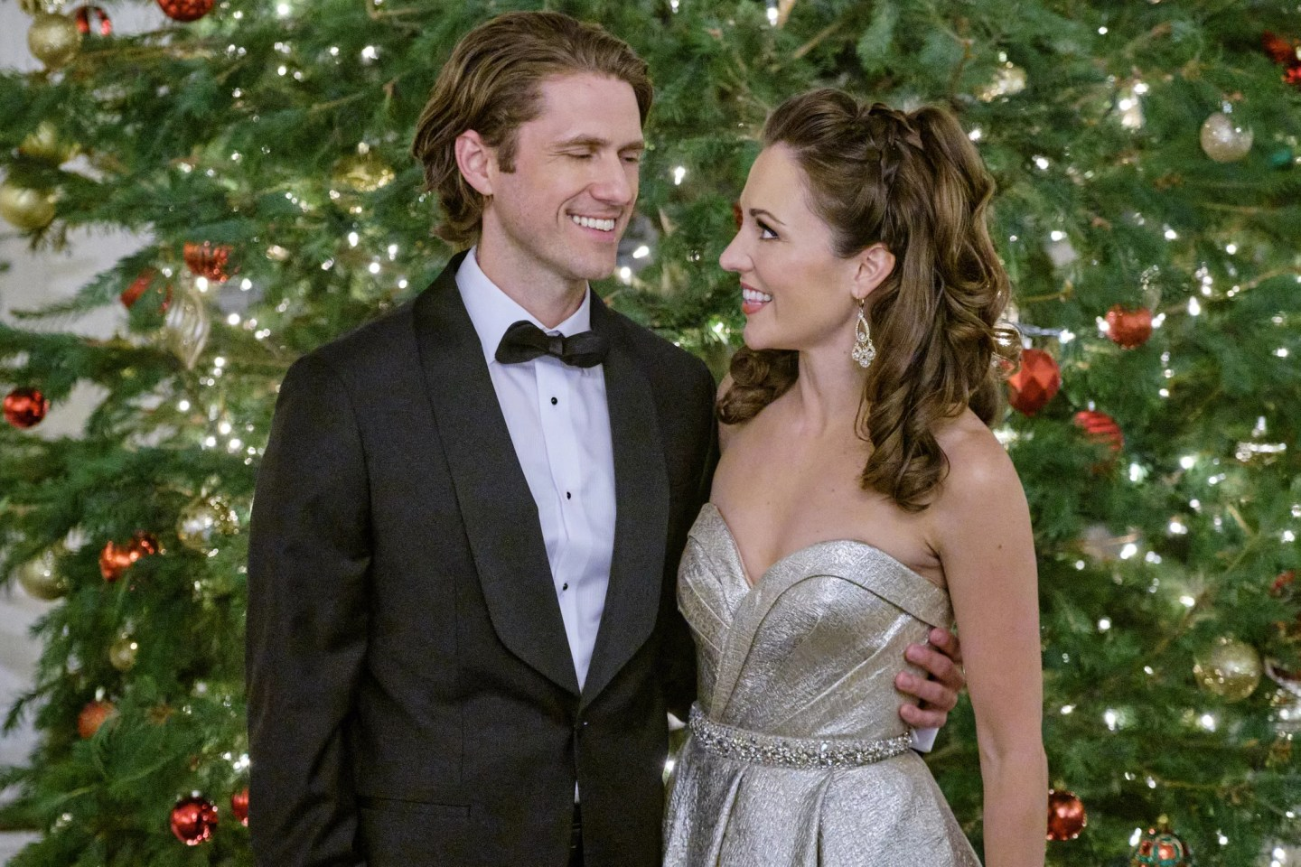 Aaron Tveit Interview About Hallmark's One Royal Holiday | POPSUGAR  Entertainment