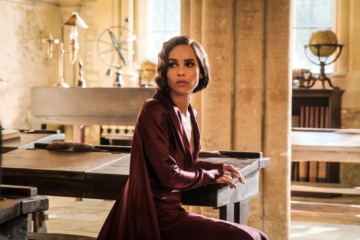 FANTASTIC BEASTS: THE CRIMES OF GRINDELWALD, Zoe Kravitz, 2018. ph: Jaap Buitendijk / 2018 Warner Bros. Ent.  All Rights Reserved.Wizarding WorldTM Publishing Rights  J.K. Rowling WIZARDING WORLD and all related characters and elements are trademarks of and  Warner Bros. Entertainment Inc. /Courtesy Everett Collection