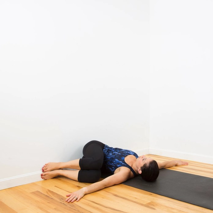 Do This Relaxing Spinal Twist Using a Wall, and Your Back Will Thank You