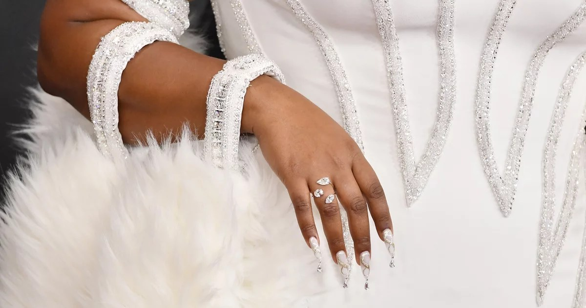 Can You Use Cornstarch For Acrylic Nails? A Nail Artist Weighs In