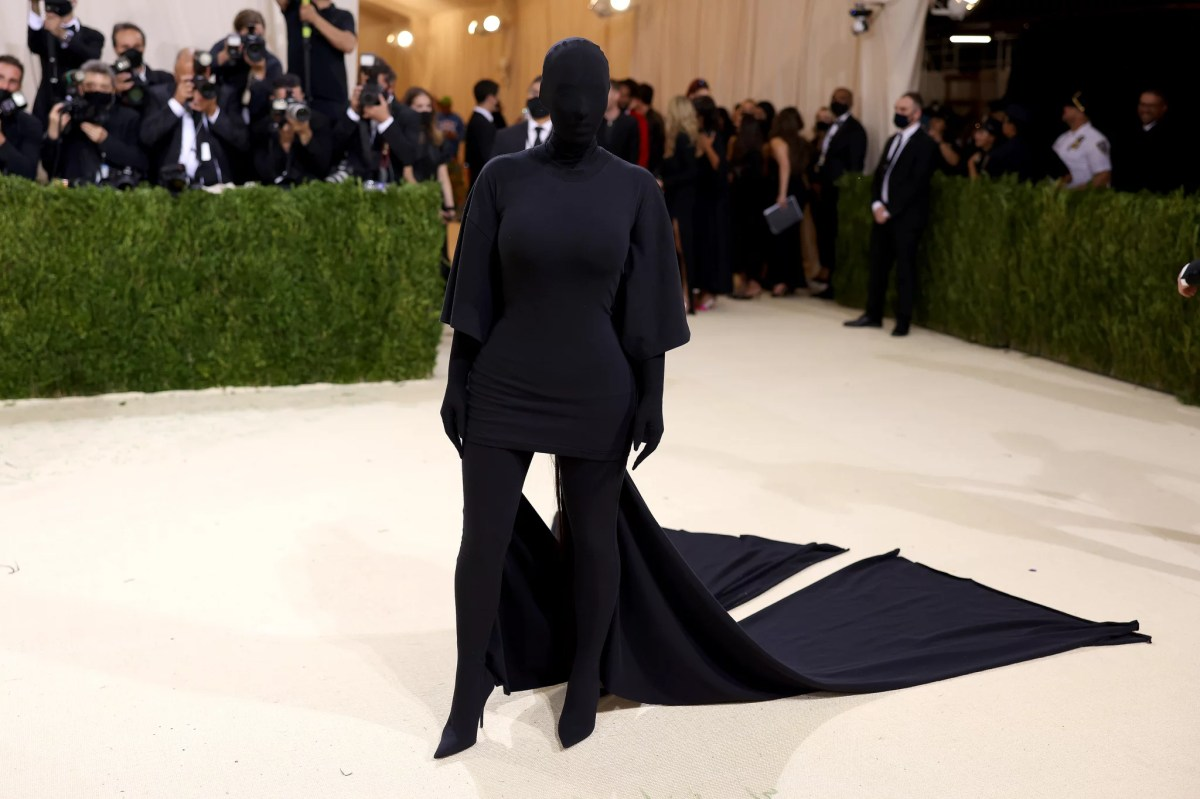 Kim Kardashian at the 2021 Met Gala | Every Look From the 2021 Met Gala Red  Carpet That We Can't Stop Talking About | POPSUGAR Fashion Photo 129