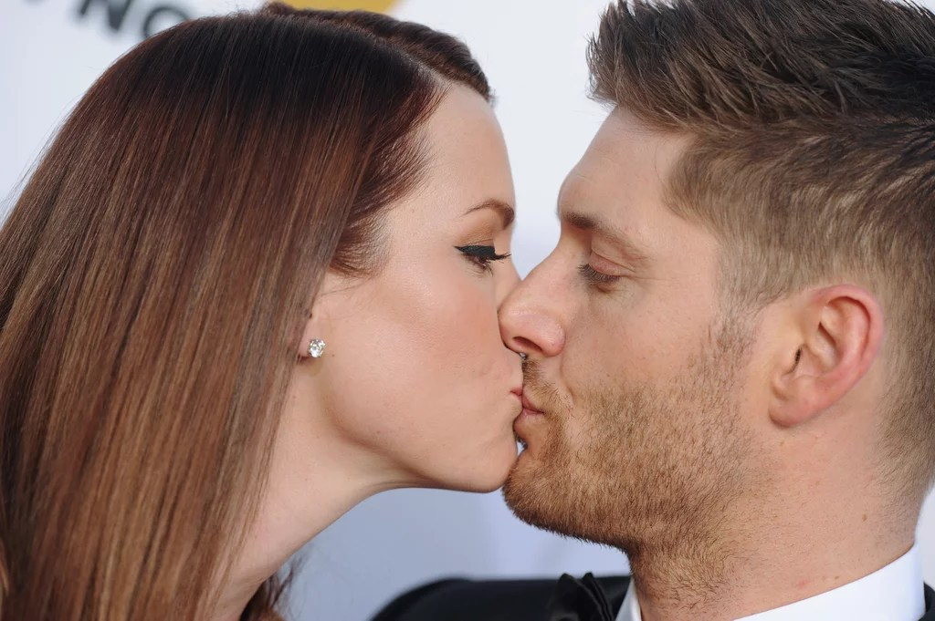 Jensen Ackles And Wife Danneel Got Kissy On The Red Carpet