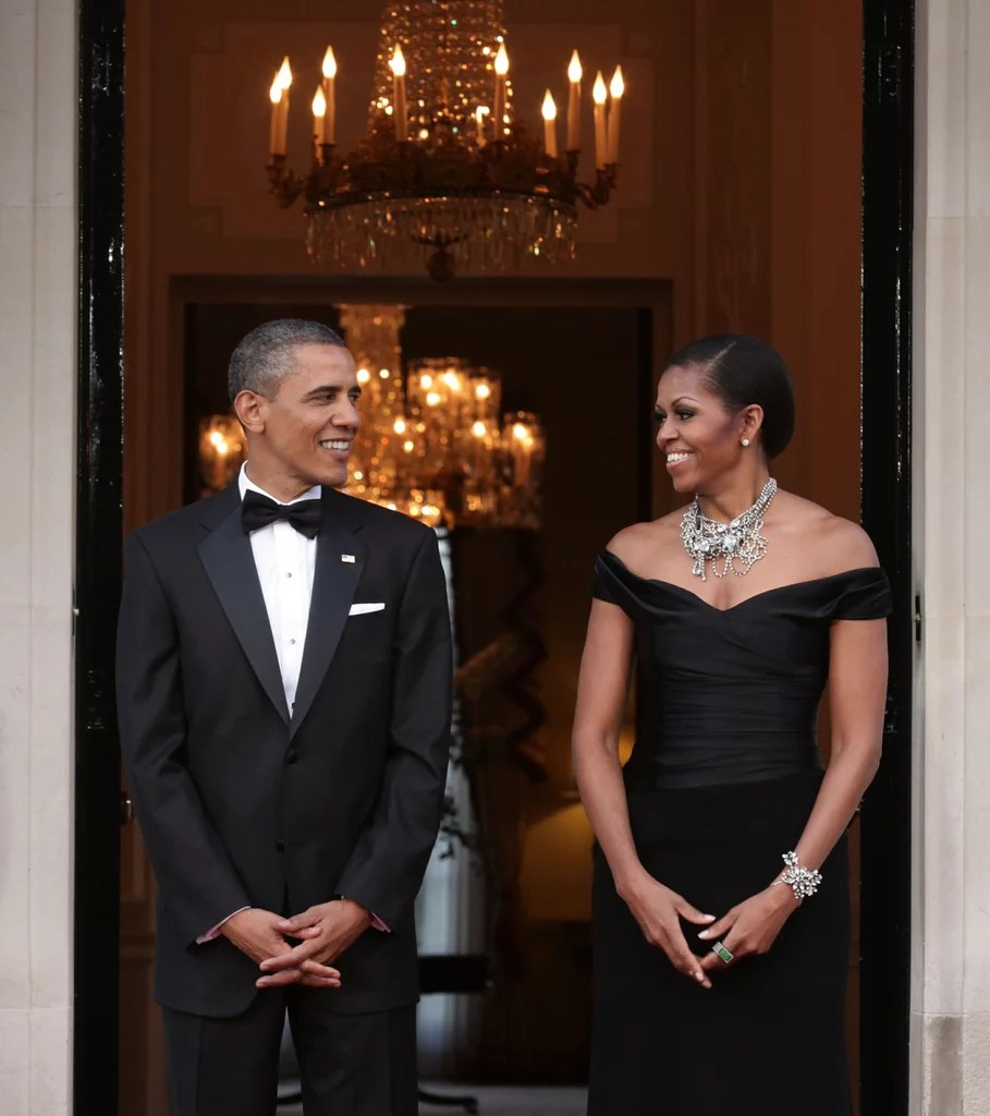 2011 Barack And Michelle Obama Cute Couple Pictures