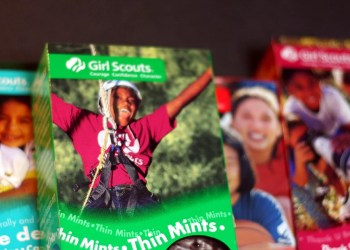 24 Hilarious Tweets About Girl Scout Cookies That'll Make Any Parent Spit Out Their Thin Mints