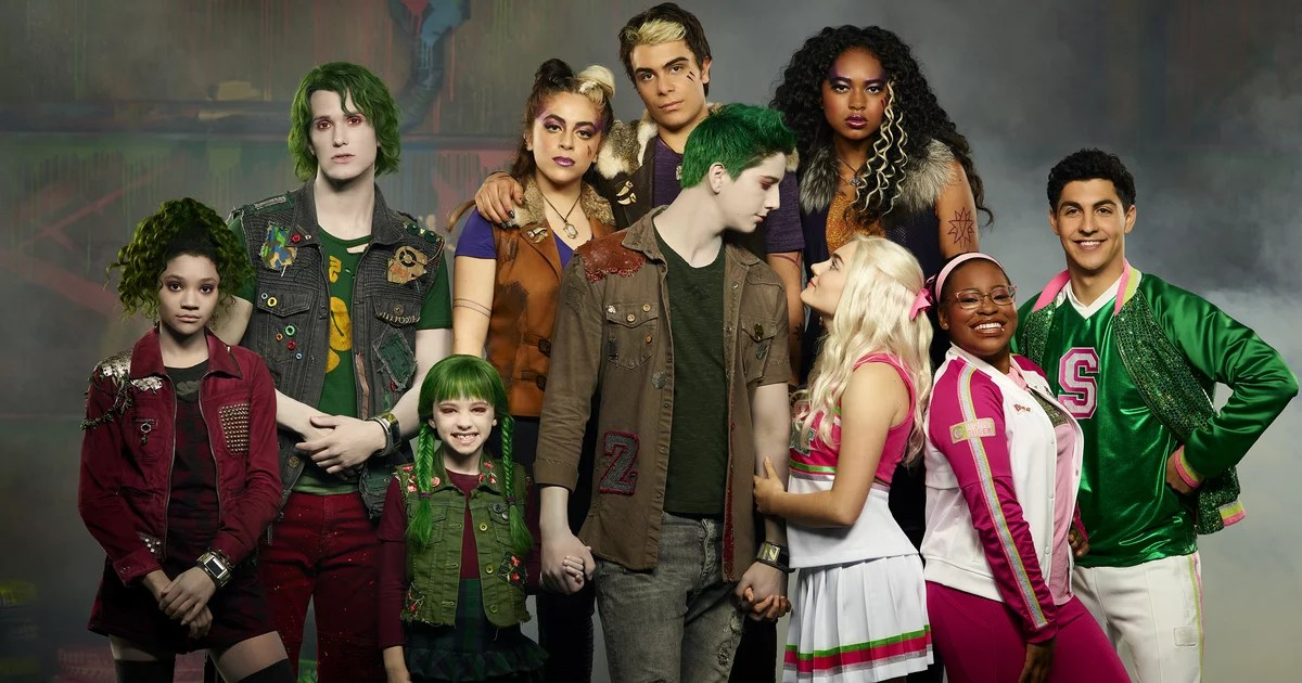 """With Disney Channel's Zombies 2, Baby Ariel Says the Cast """"Became a Big Family"""""""