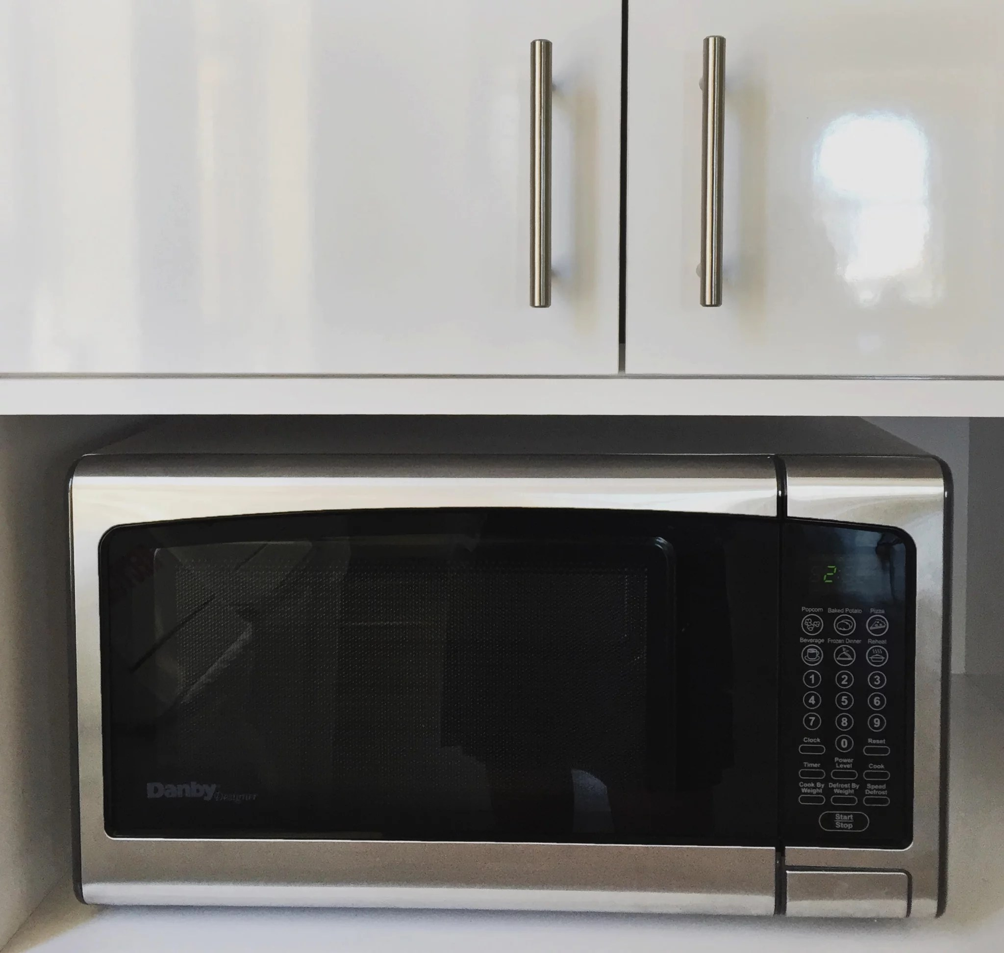 How To Clean A Microwave With Vinegar Popsugar Smart Living Uk