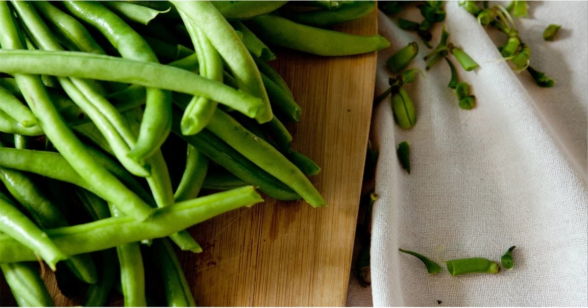On Keto This Thanksgiving? Exactly How to Eat Green Beans Without Sabotaging Your Diet
