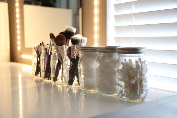 Vanity Organization Mason Jar Makeup Brushes Cloth Face Pads Q-Tips Vanity Mirror with Lights Organizational Tools