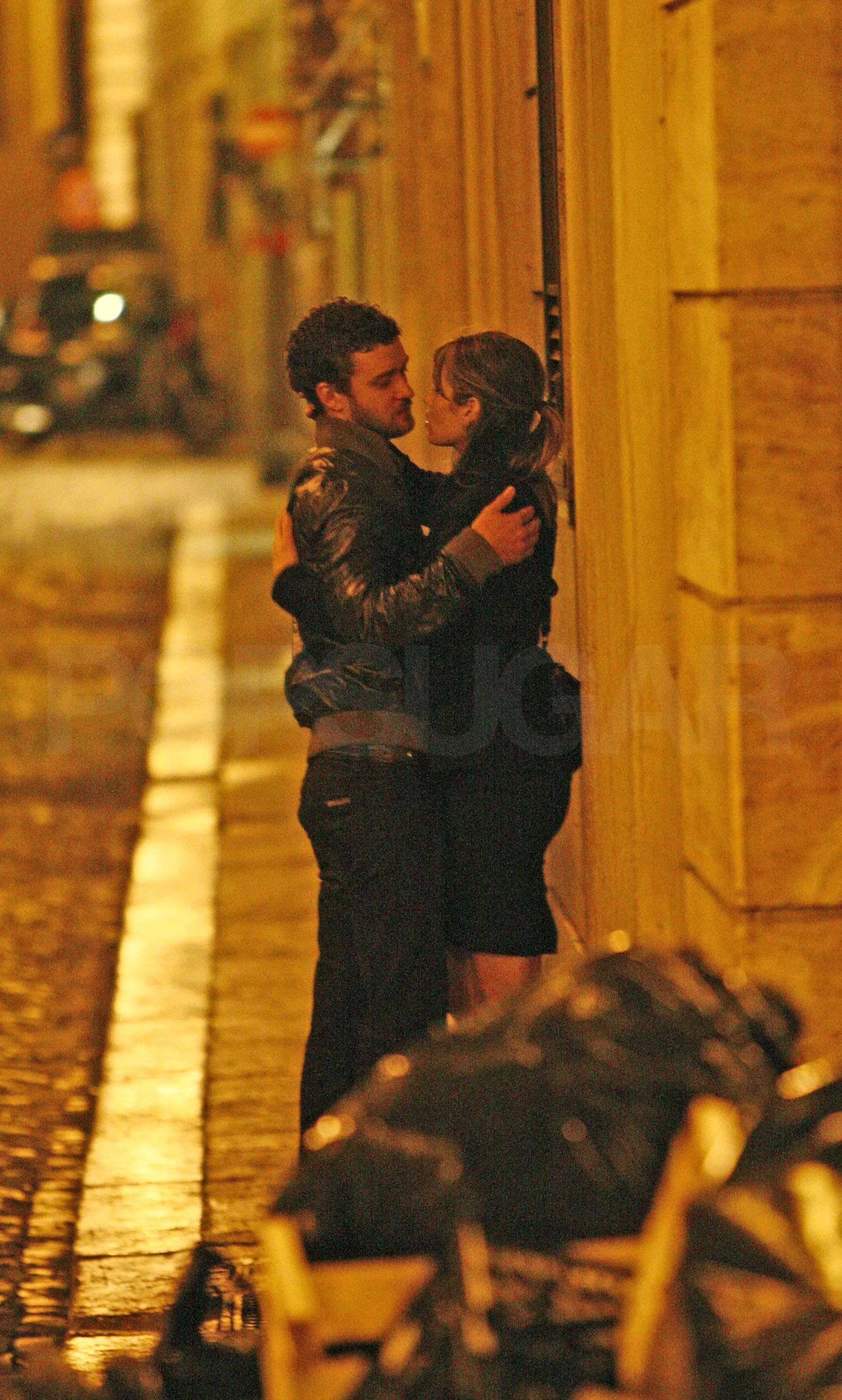 Photos Of Justin Timberlake And Jessica Biel Kissing In