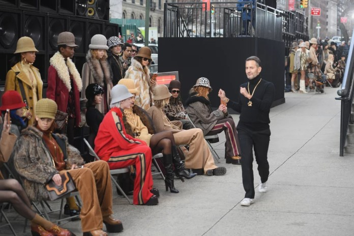 Image result for Marc Jacobs takes over a city sidewalk for his fall 2017 fashion show