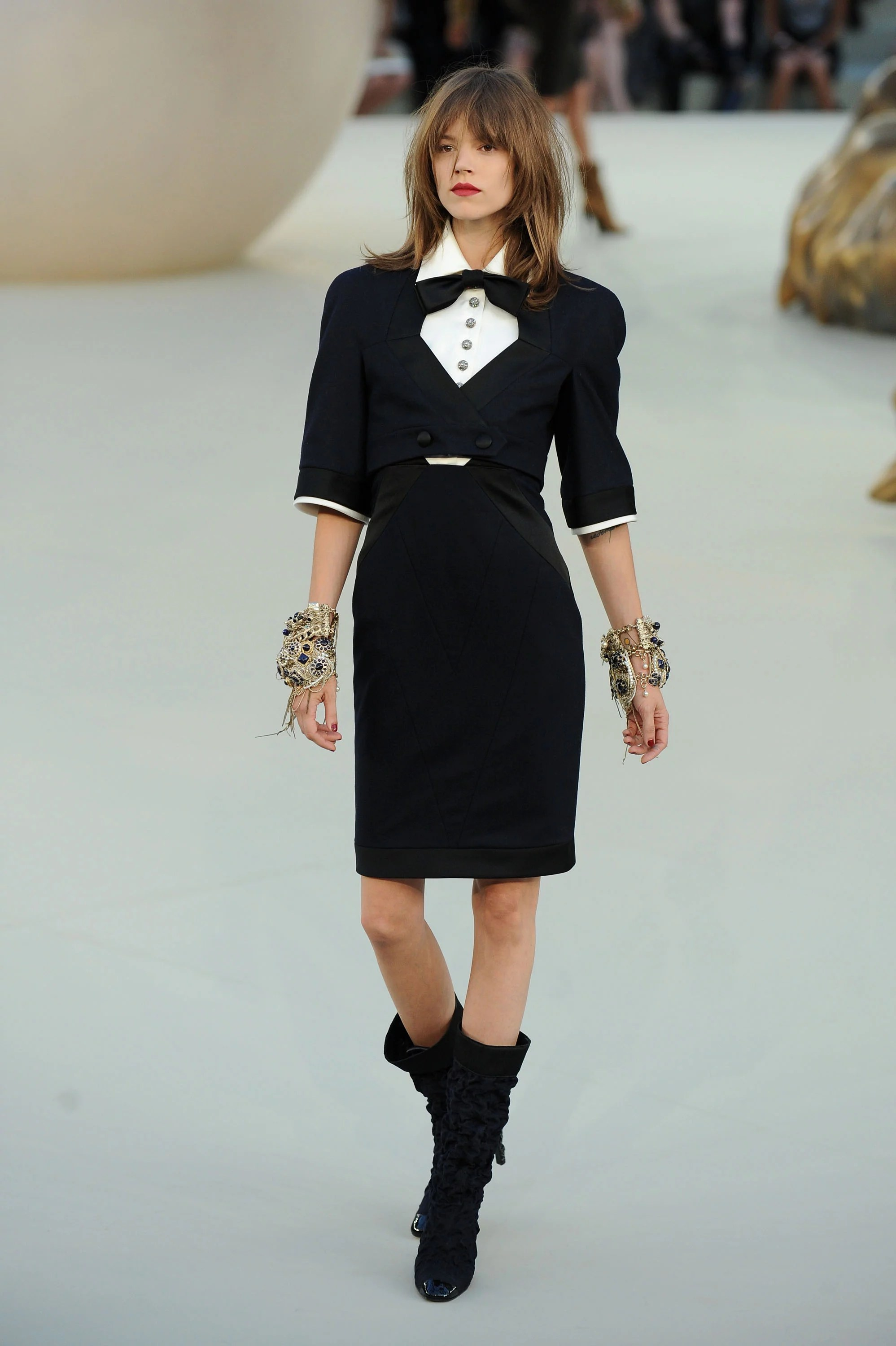 Photos Of The 2010 Chanel Autumn Haute Couture Collection