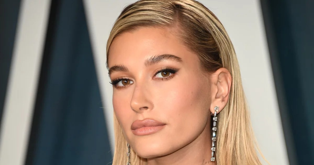 "The $17 Secret to Hailey Bieber's ""Sex Kitten"" Makeup at the Oscars Afterparty"