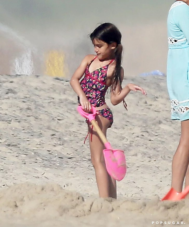 Katie Holmes And Suri Cruise At The Beach Pictures