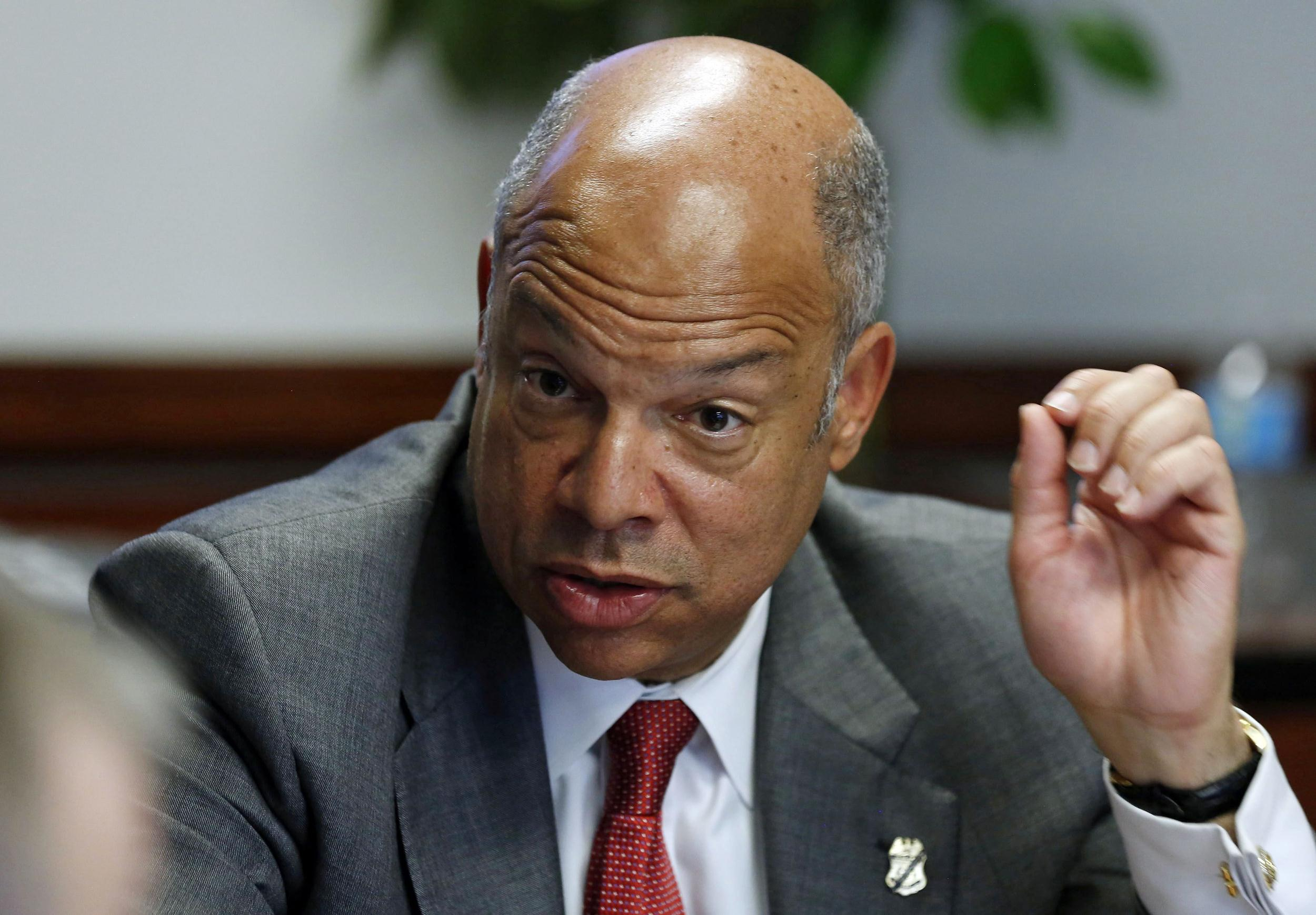 https://i1.wp.com/media1.s-nbcnews.com/i/newscms/2014_22/473701/140529-jeh-johnson-mn-851_60fccc3ca5a5c78caceca6581699837f.jpg