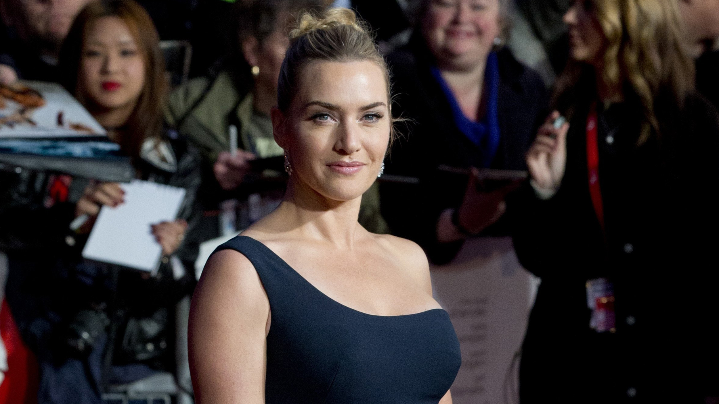 Kate Winslet Bans Kids From Social Media Says It Impacts Self Esteem