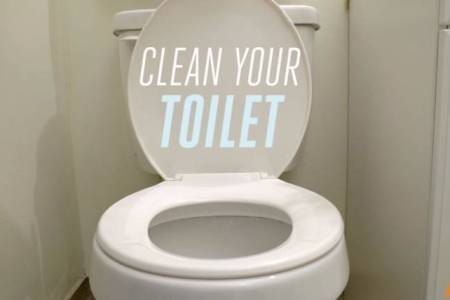 How to clean a toilet bowl Find out how you should really be cleaning your toilet