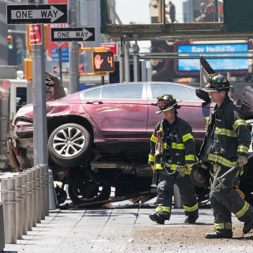 Image: Car Crashes Into Pedestrians In Times Square
