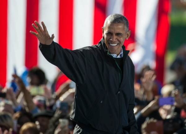 Obama won't hold 'punches' as he kicks off midterm ...