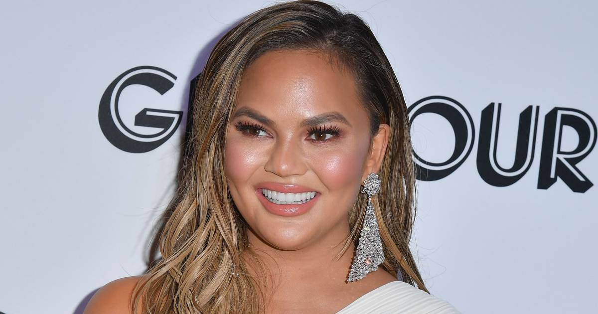 Chrissy Teigen Gets 2019 Off To An Awkwardly Hilarious Start