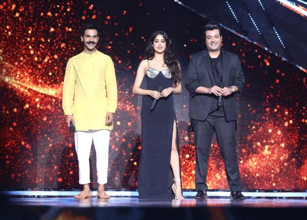 Janhvi Kapoor, Rajkummar Rao, Varun Sharma promote Roohi on the sets of Indian Idol 12