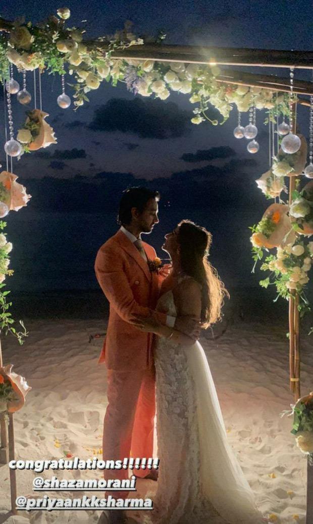 INSIDE VIDEOS: Shraddha Kapoor grooves to beats of 'Kamariya' and gives an emotional speech at cousin's Priyank Sharma's wedding